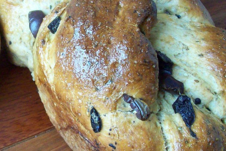 Zaatar and Olive Challah Bread