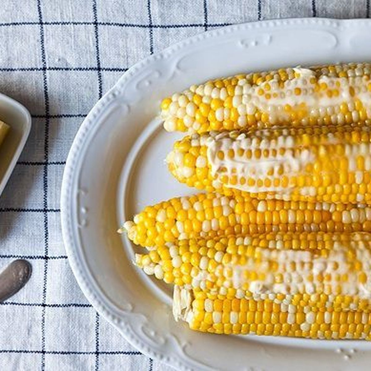How to Microwave Corn on the Cob in the Husk