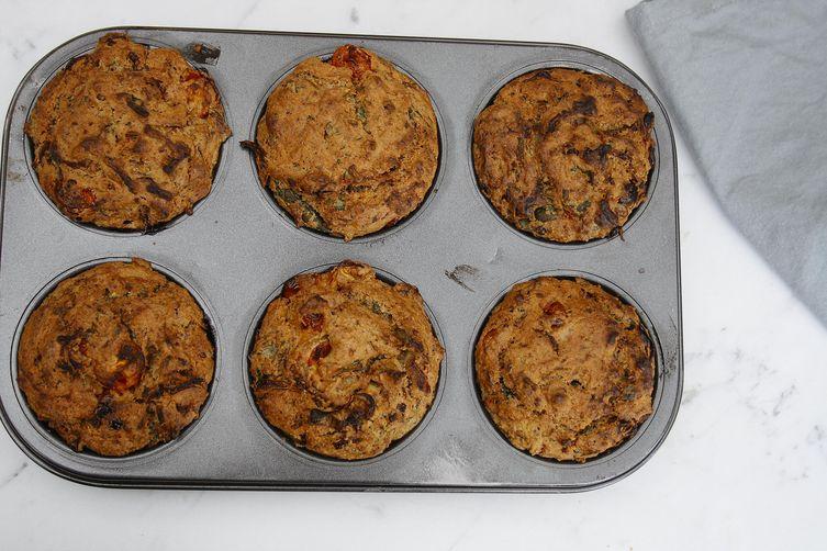 Gluten-free vegan savoury breakfast muffins | Zucchini and tomato muffins
