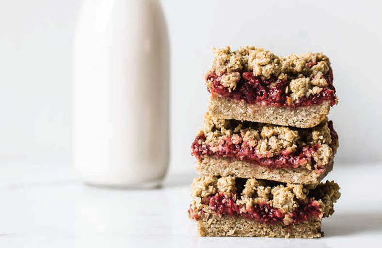 Strawberry Oat Crumble Bars