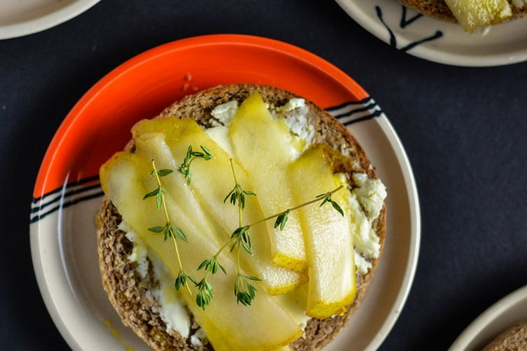 Honeyed Pear and Brie Toasts
