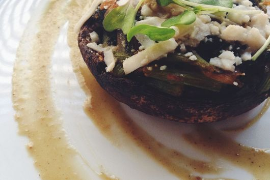 Spinah stuffed Portobello Mushroom w/garlic au jus