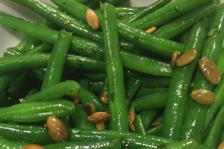 Garlic String Beans with Toasted Pumpkin Seeds