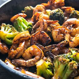 94010224-5fe4-4d25-a4b9-675ebcec63ba--honey-garlic-shrimp-and-broccoli-1b