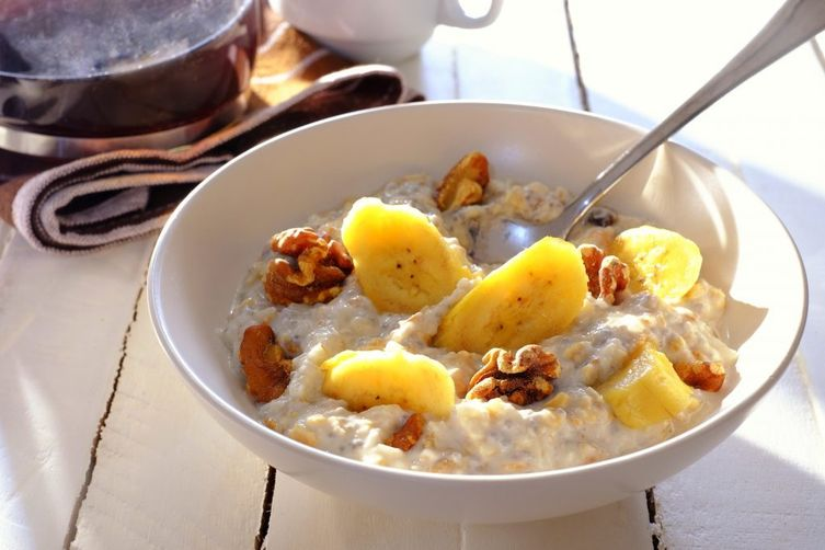 Banana-Walnut Breakfast Muesli