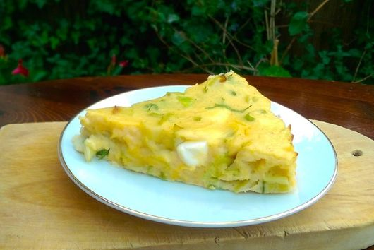 Roasted frittata with leeks, cauliflower and feta cheese