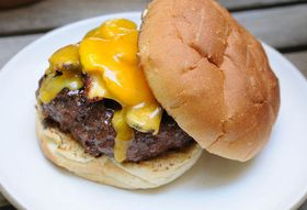 Tips for Grilling the Perfect (Non-Puffy) Burger