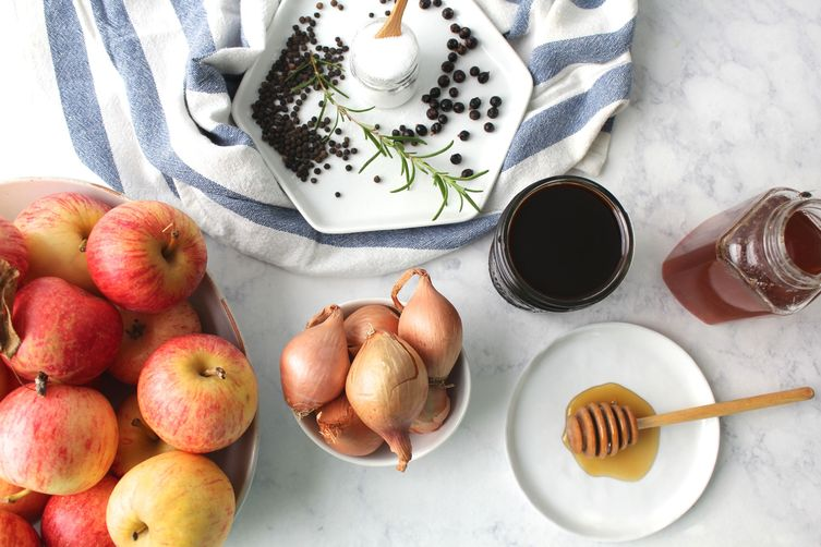 Balsamic Pickled Apples & Shallots