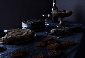 7ac86c17 534d 4b03 90e3 343bcb92b4ce  2016 1004 black halloween desserts bobbi lin 153