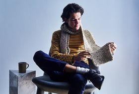 0db34583 190f 43bd 8aa3 ec8b6ac54a0f  2018 0327 valerio knitting scarf model julia gartland 3x2 018