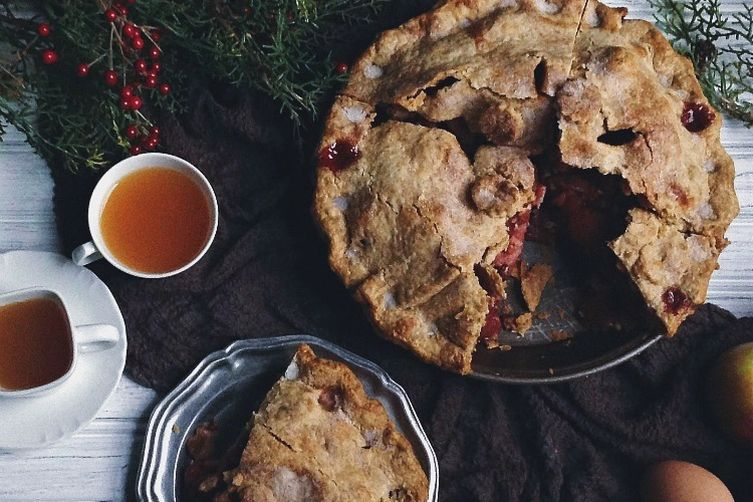 Mile-high apple cranberry pie