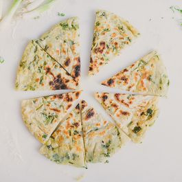 B76a6bdd 2eb2 43ec 9186 9b0432582023  scallion pancake betty liu 1