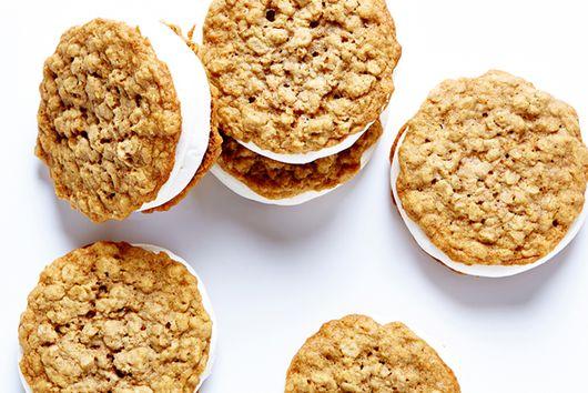 Oatmeal Marshmallow Moon Pies