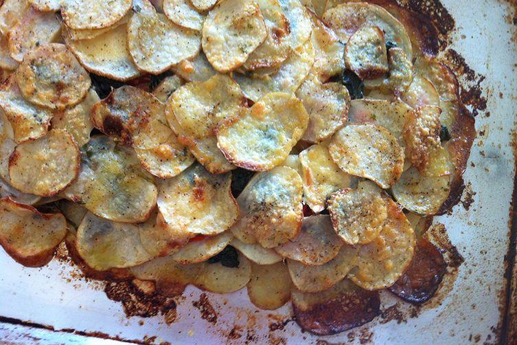 rustic smoked gouda, tomato, spinach & potato galette