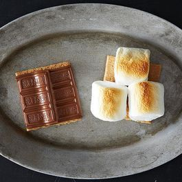 5 Links to Read Before Making S'mores