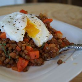 82ae3400 6512 4e68 9d72 cdfd3cc81fe5  italian style lentils with poached egg from heatherpierceinc.com 1024x685