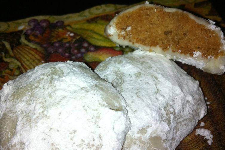 Crunchy Burnt Sugar Snowball Cookies