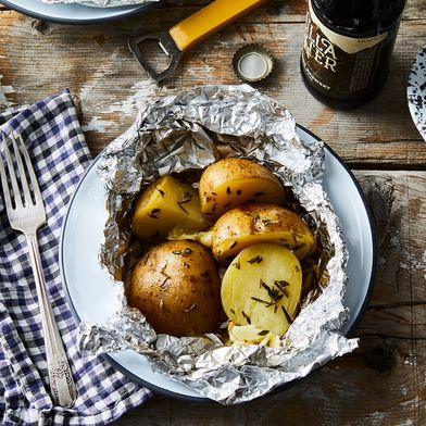 Foil-Pack Potatoes & Other Campfire Cooking Tricks to Ace Dinner in the Wild