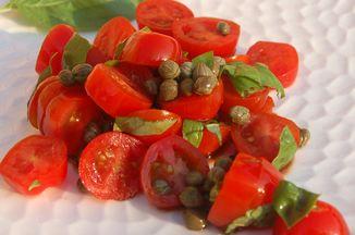 02b08c96 4941 446d 801a aab42acc87ad  tomato caper and basil salad