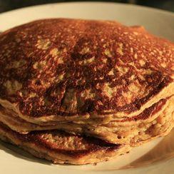 Gluten-free Lofty Banana Pancakes with Cinnamon and Flax