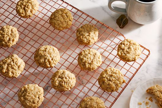 These 3-Ingredient Oatmeal Cookies Are Basically Magic