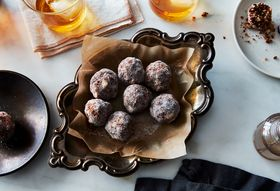 Ce58d5f1 2b85 4656 8088 d1f2277a6bf8  2016 1129 kentucky bourbon balls james ransom 027
