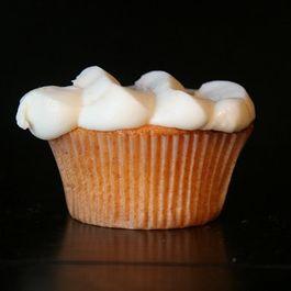 711e519f 04bd 4d6d bf04 112b7ad678ae  peach cupcakes cream cheese frosting2010 99.jpg