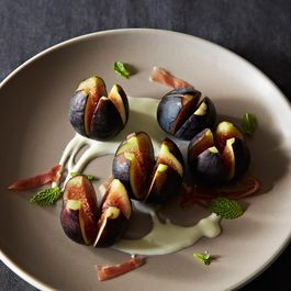 Richard Olney's Fresh Fig and Mint Salad