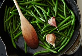 6895772b 2e3e 41f5 b823 0d46c8aa8e9e  2015 0810 green beans glazed in butter garlic and chicken stock alpha smoot 212