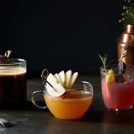 3 Non-Boozy Holiday Drinks *Everyone* Can Enjoy