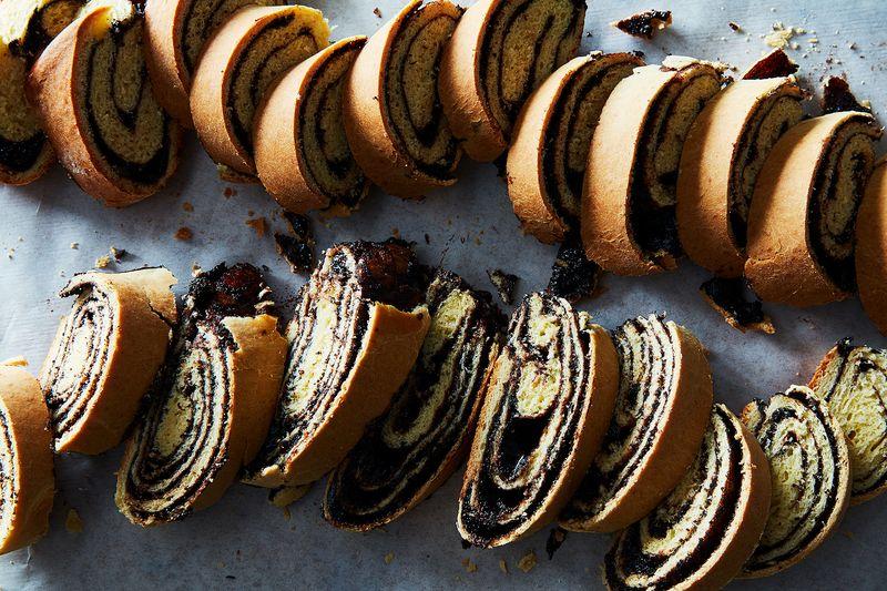 Chocolate-Poppy Seed Kokosh
