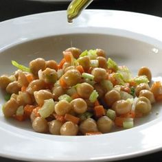 Chickpea or Black-eye Bean Salad with Tuna