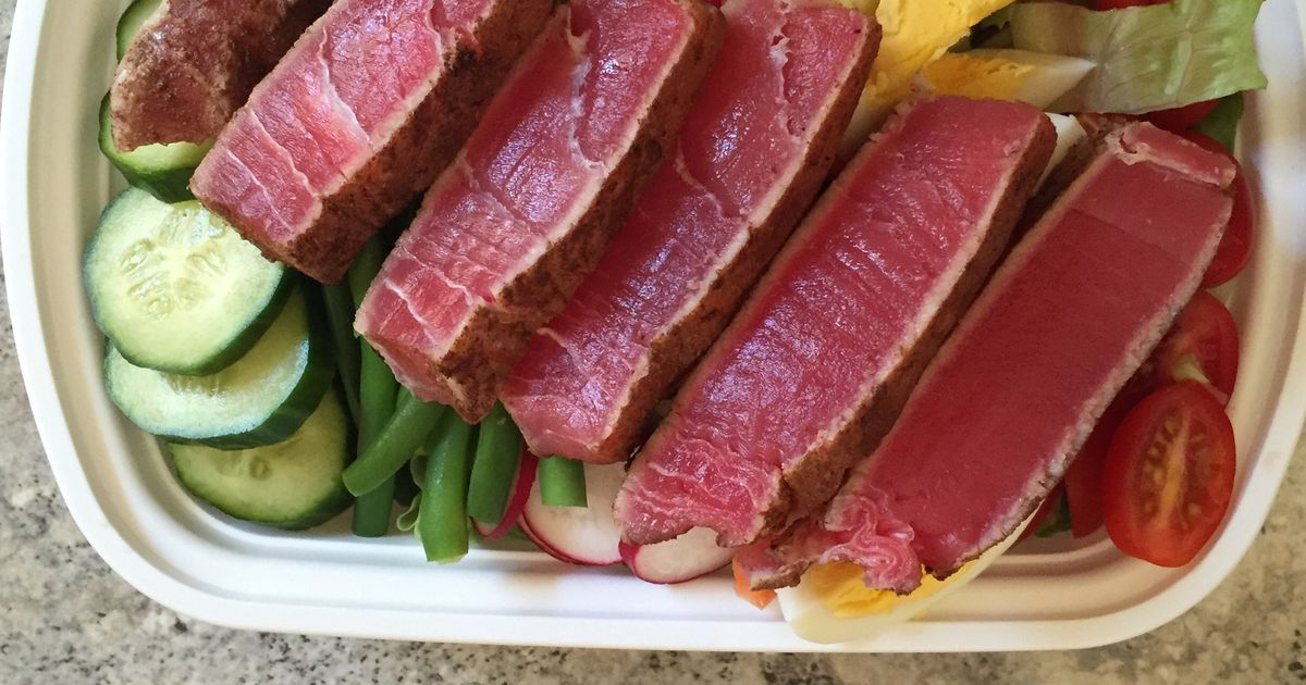 Seared Tuna With Tomato-Lemon Vinaigrette Recipe — Dishmaps
