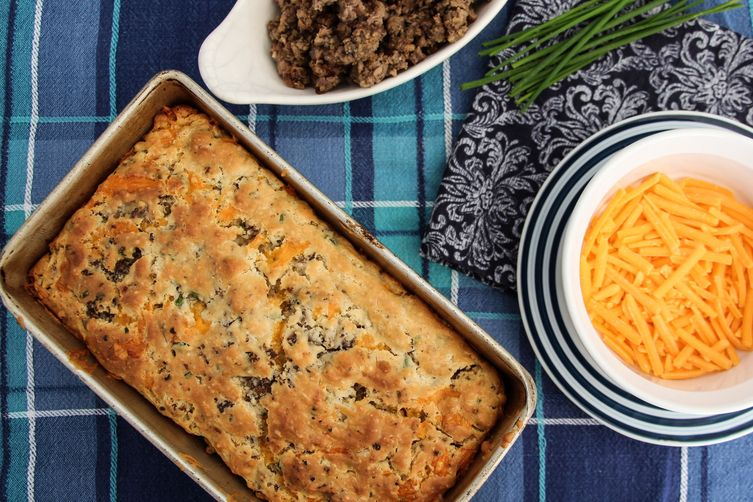 Sausage, Cheddar, and Chive Biscuit Bread
