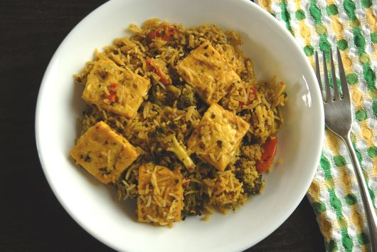 Thai curry fried rice with tofu
