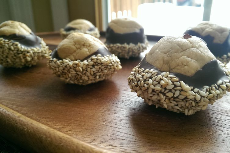 Tahini & Cookie Butter Buckeyes with Toasted Sesame Seeds