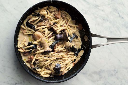 Jamie Oliver's Garlic Mushroom Pasta