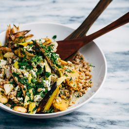 52a3a9d1-8c92-49cf-842f-b3d7cdcfdbcc--toasted_farro_roast_vegetable_salad20