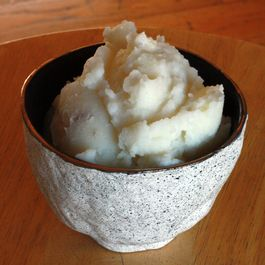 Mashed Potatoes with Roasted Garlic and Cream Cheese