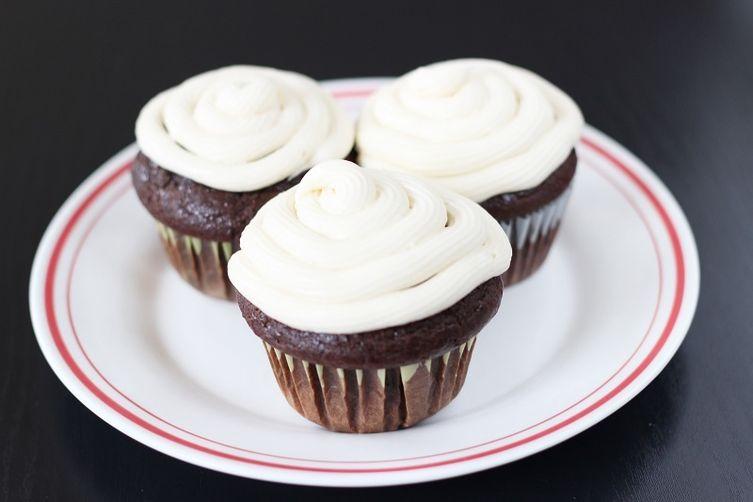 Chocolate Cupcake w/ Buttercream Frosting