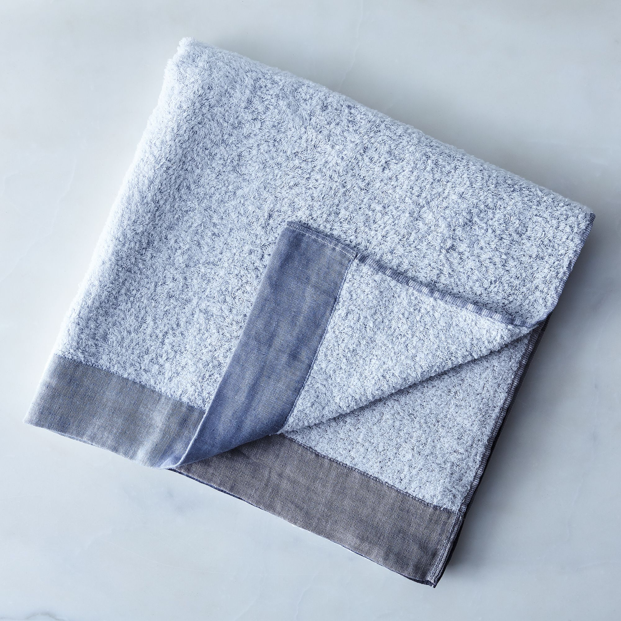 F64b6c38 aa4e 4d63 9e68 5bdcb8e7eb90  2017 0404 morihata international linen and cotton blend colorblock towels grey bath towel silo rocky luten 0442