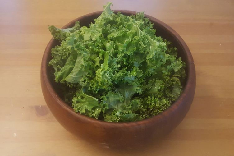 Easy Garlicky Kale Salad