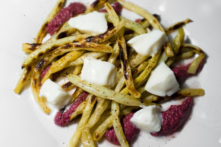 Grilled String Beans with Mozzarella and Olive Pure