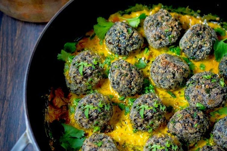 Lentil Meatballs with Indian Fenugreek Sauce