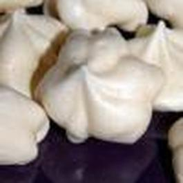 Vanilla Bean Meringue Cookies