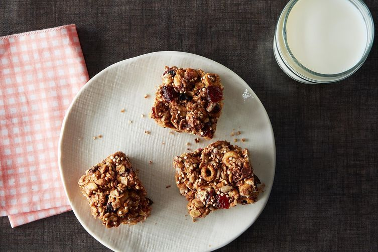 Oats and Quinoa Breakfast Bars on Food52
