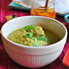 Cilantro Green Chutney Chicken Curry