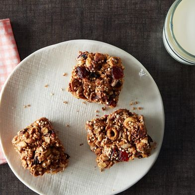 Oats and Quinoa Breakfast Bars