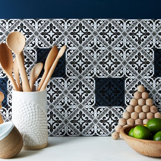 Self-Adhesive Mosaic Tile Backsplash (48 Tiles)