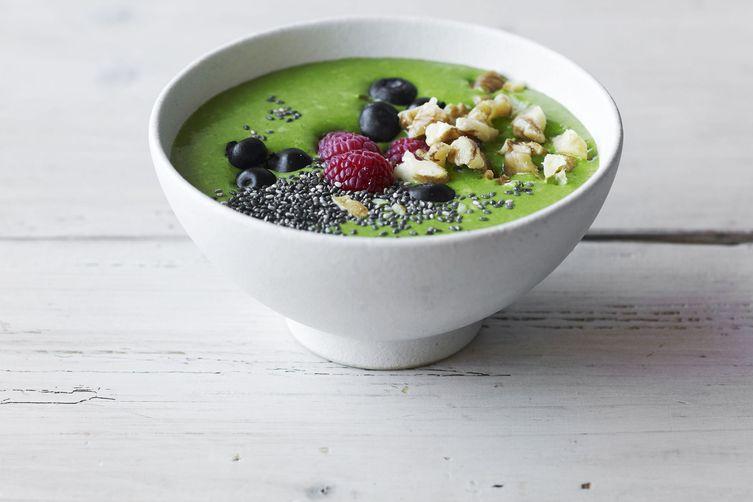 Avocado Kale Berry Smoothie Bowl